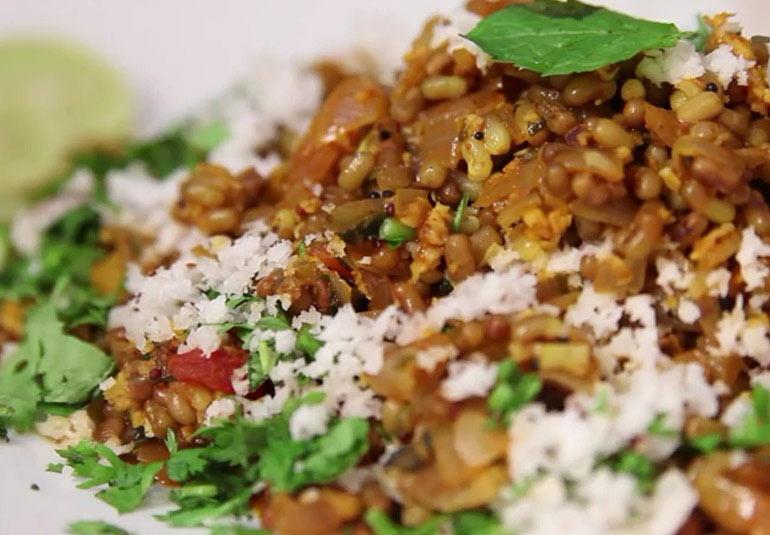 Maharashtrian Recipe: Matki Usal