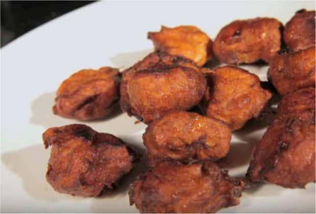 Kelyache Umber (Fried Banana Cakes) By Archana