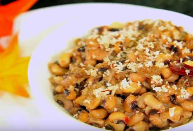 Karamani Sundal (Sweet Chawli)
