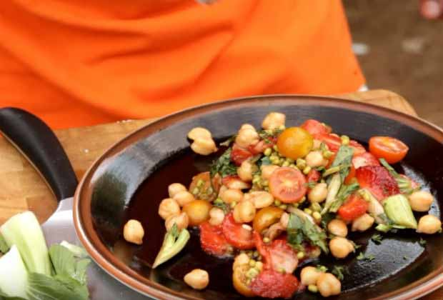 Turn Your Strawberry Fruit Salad Into A Spicy Chaat