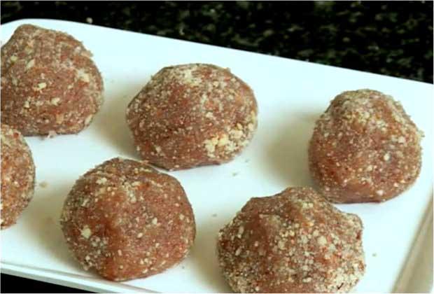 How to Make Peanut Ladoo or Sing Nu Thaabhadiya by Toral