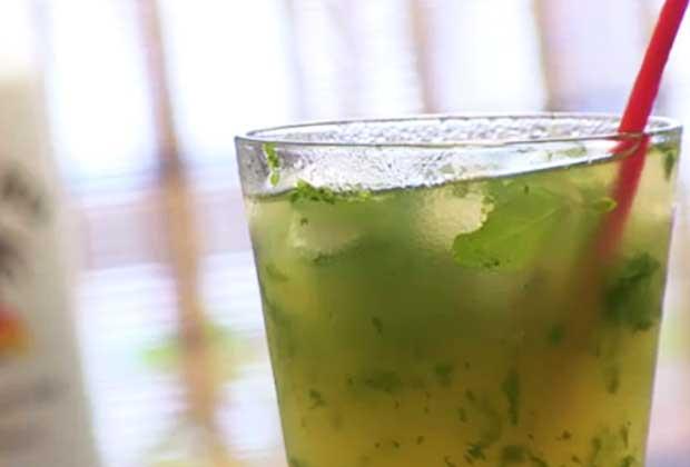 Recipe: Pina Colada Mojito To Unwind This Weekend