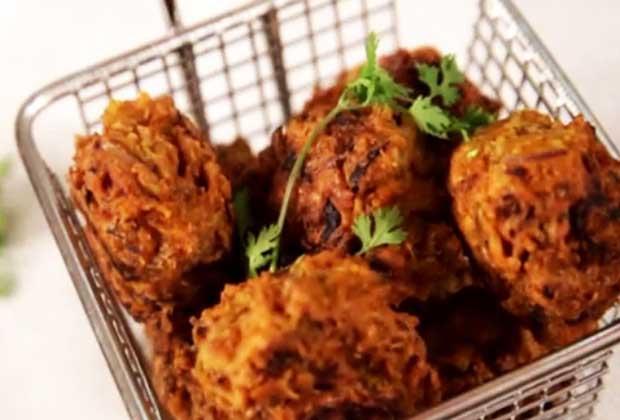 Recipe: Shrimp Pakodas For Your Housewarming Party
