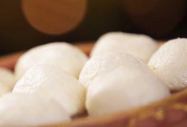 Recipe: Spongy Bengali Roshogolla