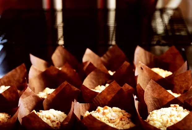 Recipe: Nutty Streusel Muffins For Your Tea Party