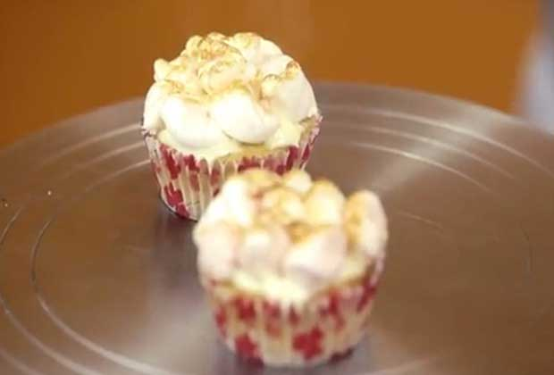 Marshmallow Cupcakes For Christmas