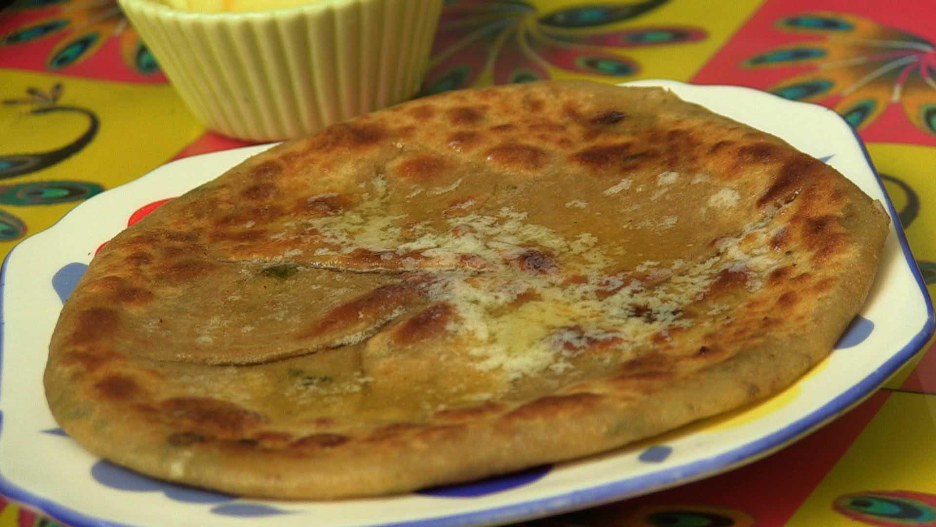 Sunday Breakfast Treat: Cheese Parathas