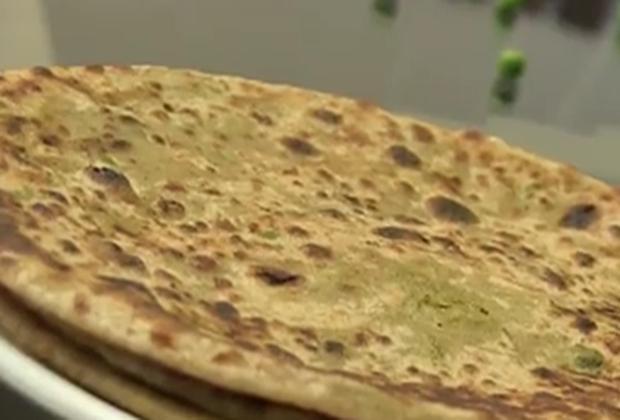 Healthy Breakfast: Green Peas Parathas