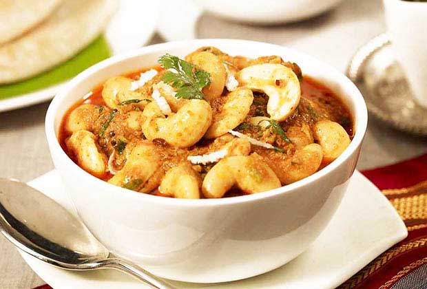 17 Lesser-Known Maharashtrian Eateries In Mumbai