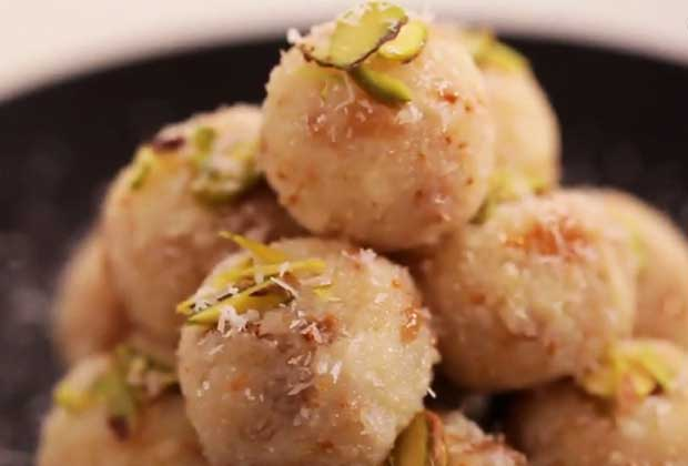 How To: Coconut And Fig Balls