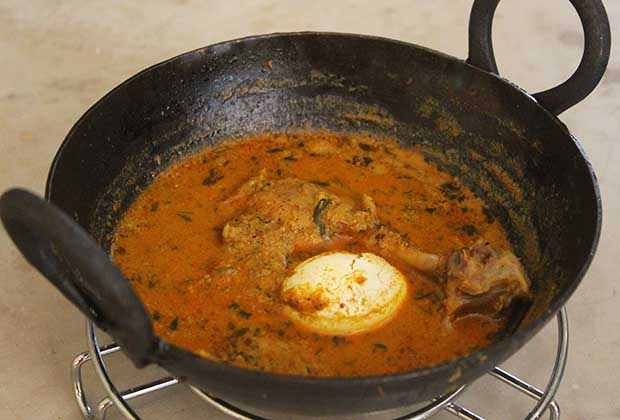 Ganpati Special: Chicken Curry With Eggs From The Koli Kitchen