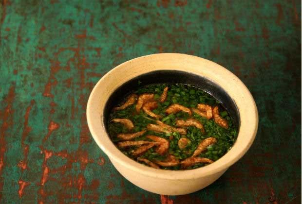 One Pot Recipe: Goan Kismur In Red Rice Kanji