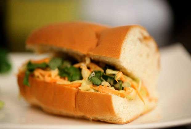 Make Healthy Coleslaw Sandwich