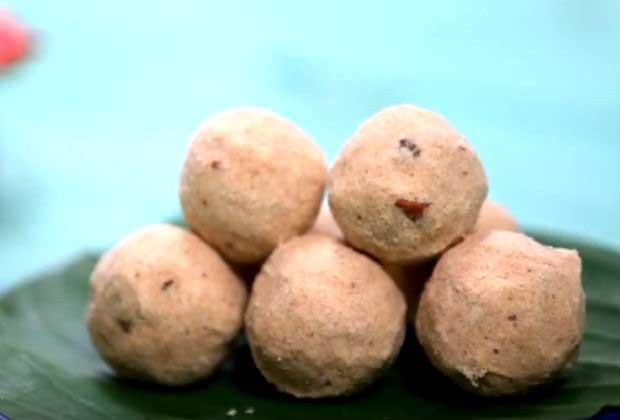 Diwali Special: Wheat And Rava Ladoo
