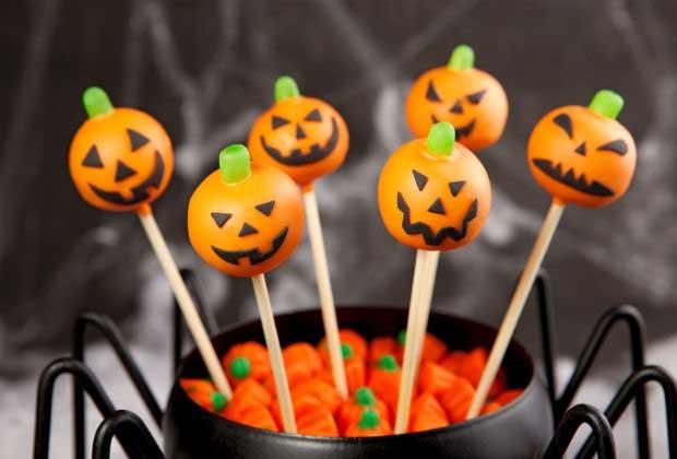 DIY Food: Jack-O-Lantern Cake Pops For Halloween