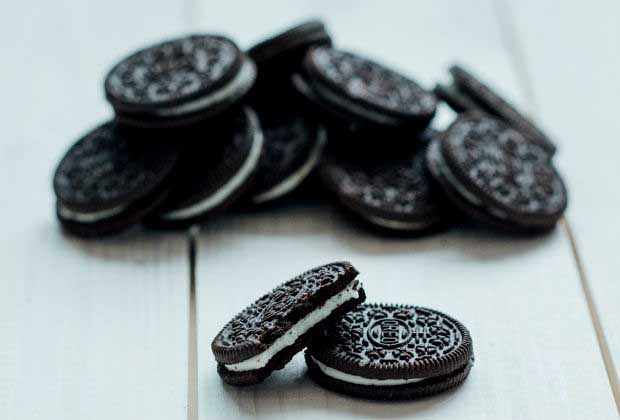 DIY Food: Dunk-In-Your-Milk Oreo Cookies