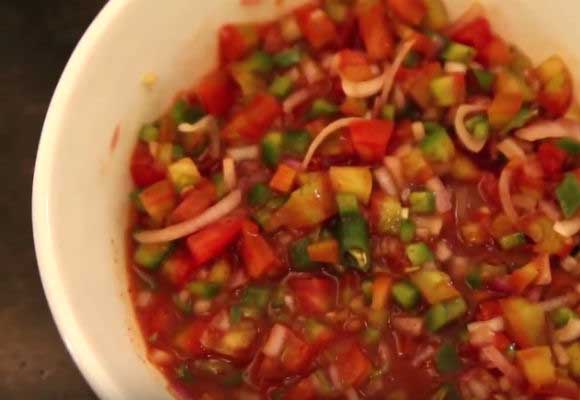Quick & Easy: Tangy Salsa Dip