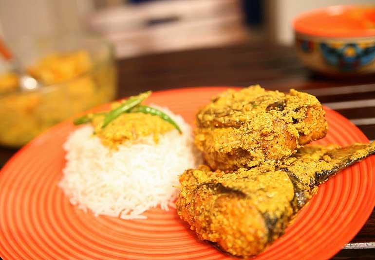 Bengali Fish Curry: Shorshe Ilish (Mustard Hilsa)