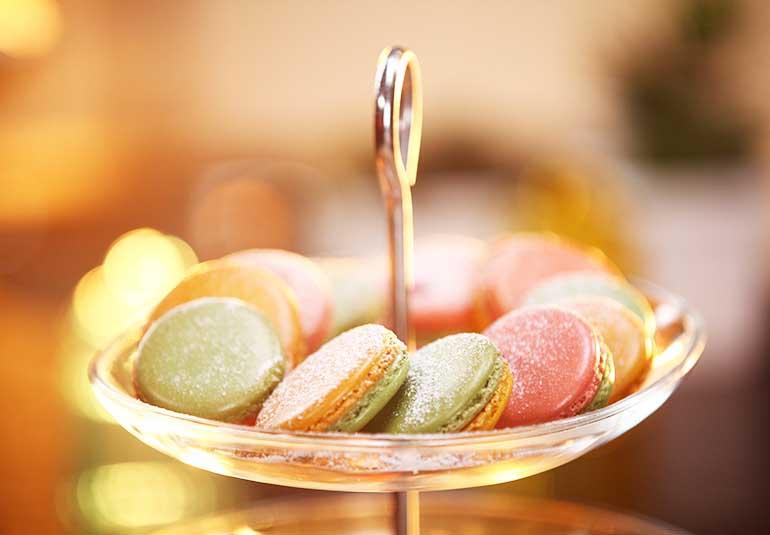 Thandai Macarons For Holi