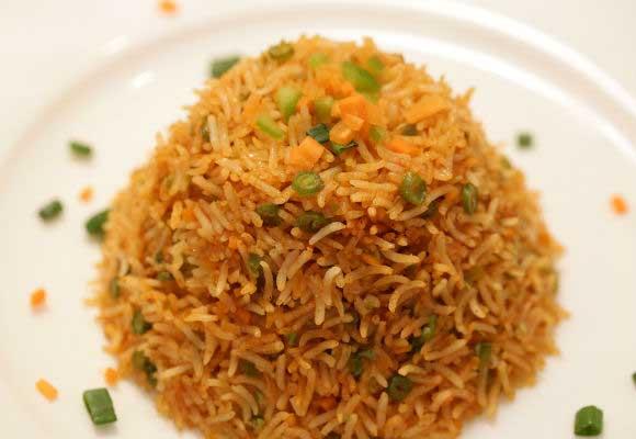 Vegetarian Schezwan Fried Rice (Hindi)