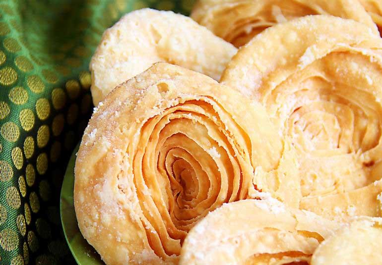 Maharashtra Day Spl: 10 Lesser-Known Maharashtrian Sweets