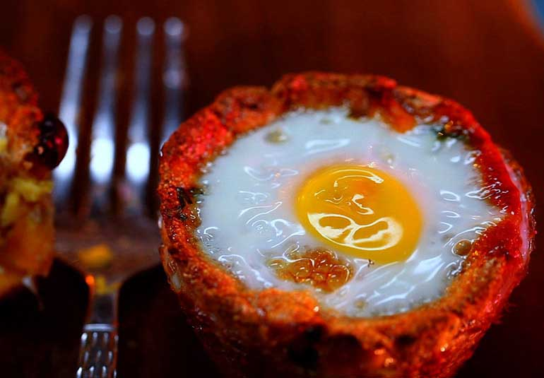 Healthy Breakfast: Baked Eggs In Mexican Corn Cups