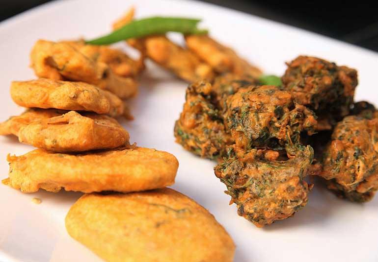 Homemade Crisp Aloo & Methi Bhajjis