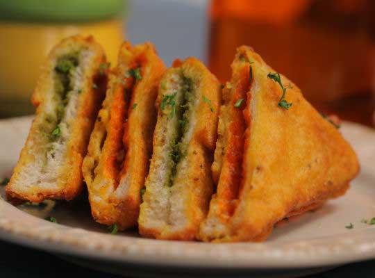 Bread Pakora 2 Ways
