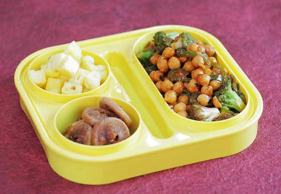 Sweet and Sour Chickpeas (Chatpate Chole) Recipe