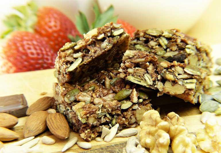 DIY Food: No-bake Granola Bars