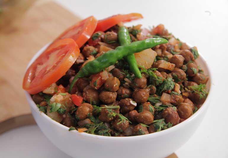 Quick Chana Aloo Chaat Recipe in Punjabi