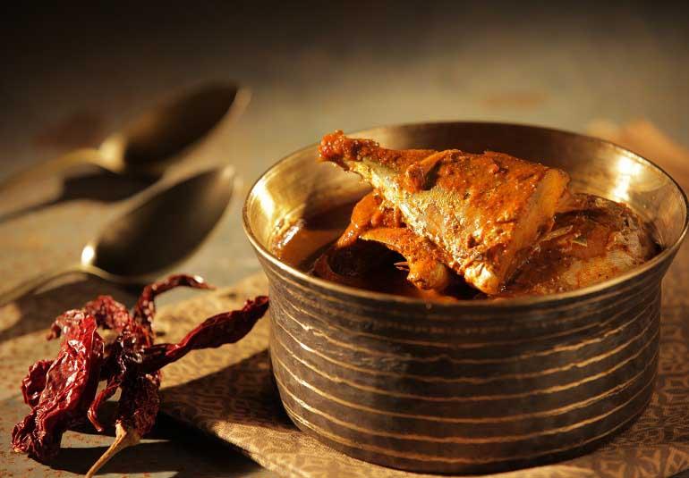 Bangda Fish Curry Recipe in Hindi: A Konkan Specialty
