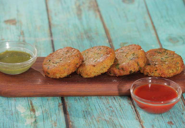 Aloo Tikki Recipe in Tamil: Delicious Potato Cutlets