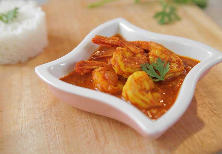Goan Prawns Ambotik or Jhinga Curry in Hindi