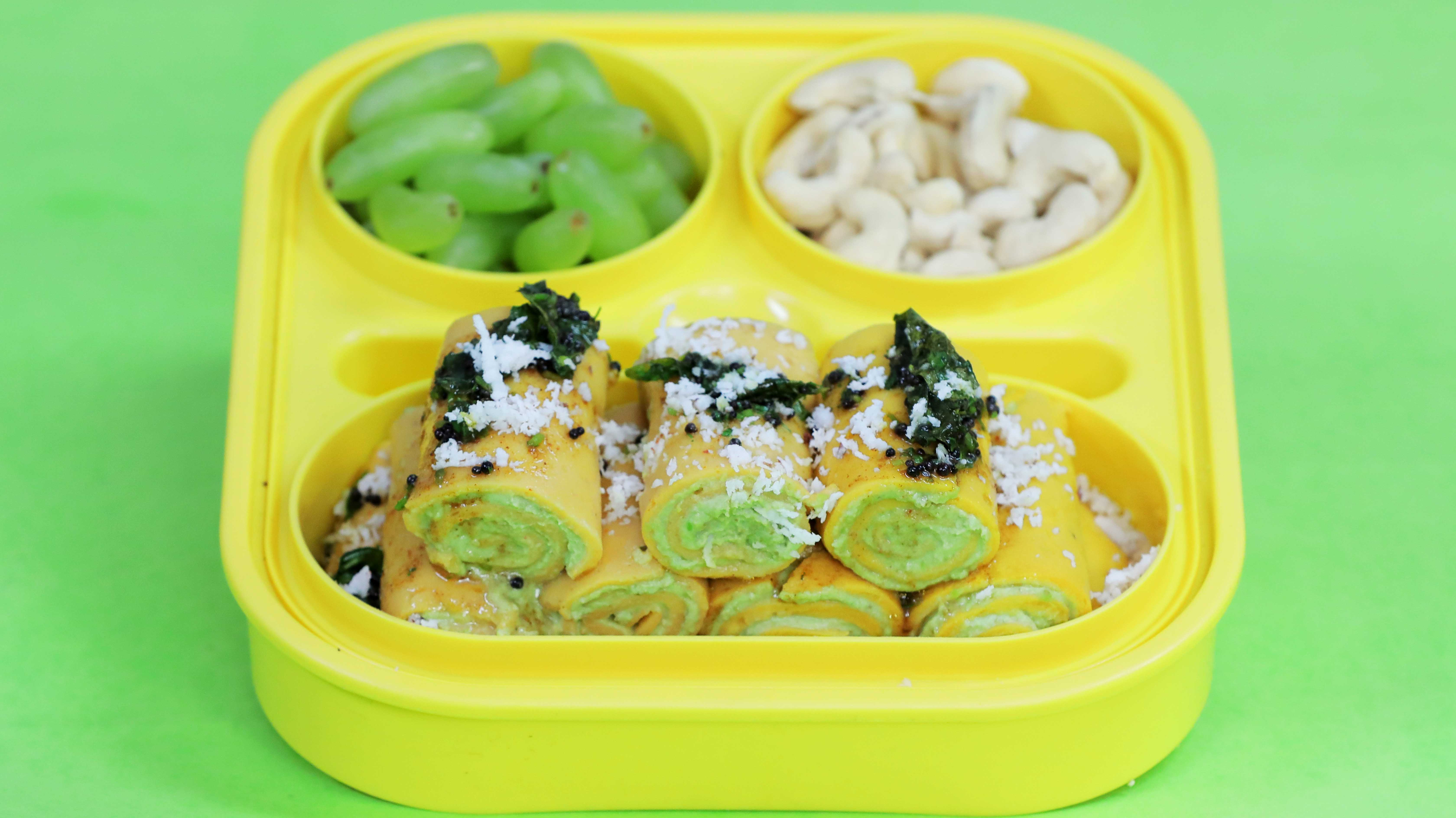 Tomato Khandvi with Tangy Green Peas Hummus