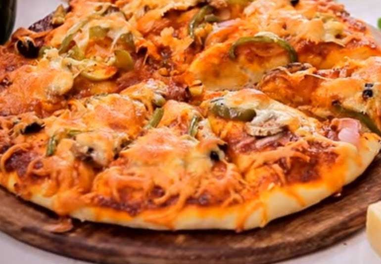 Dominos Style Homemade Vegetable Cheese Pizza