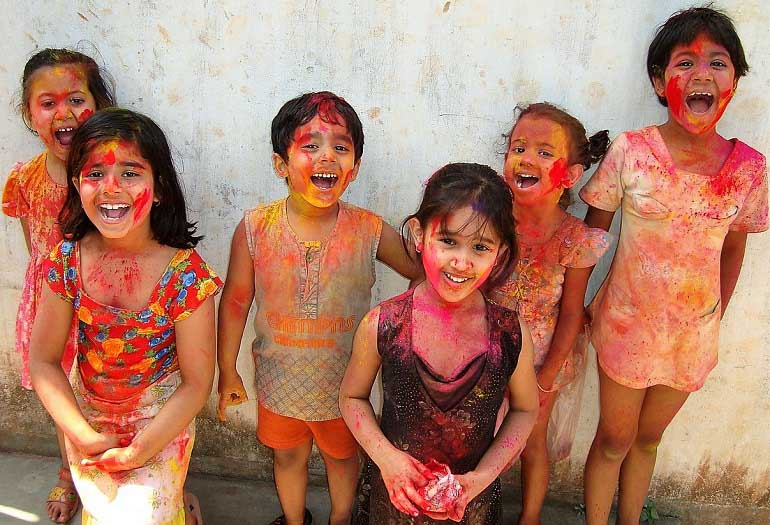 How to Make Holi Colours in Your Kitchen!