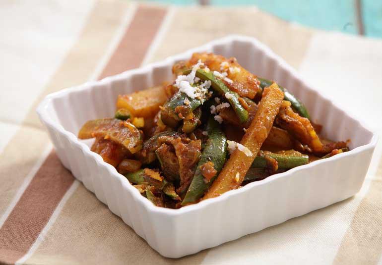Aloo Parval Sabzi - Pointed Gourd Recipe