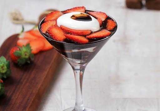 How To Make Fresh Strawberry Cream