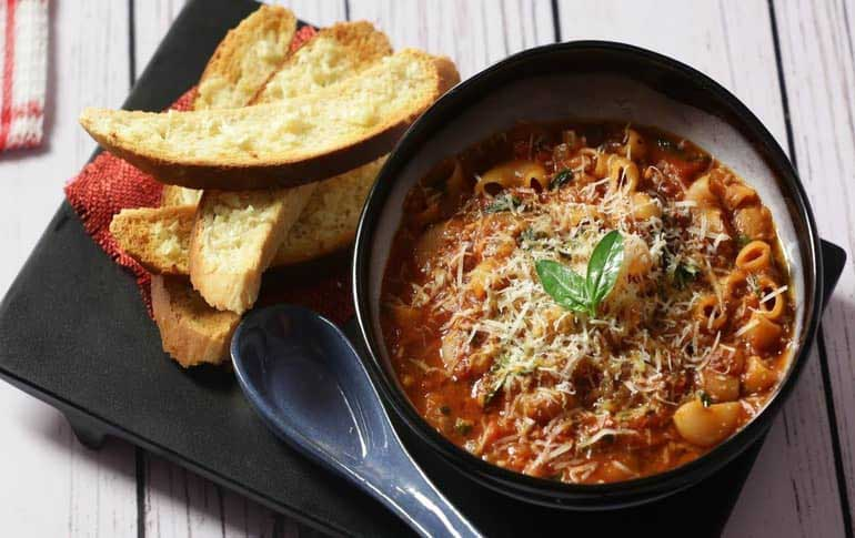 How To Make Tomato Macaroni Pasta Soup