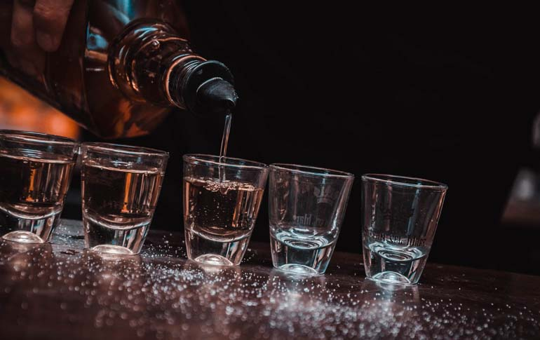 4 Insane Drinking Games to Celebrate World Whisky Day