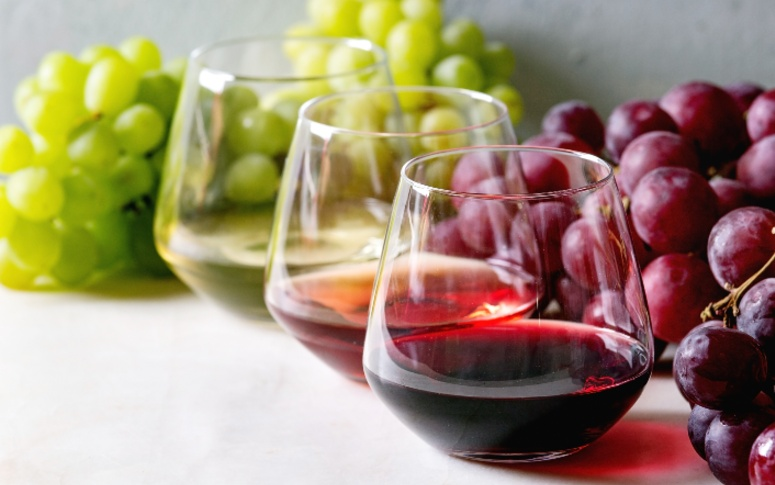 5 Delicious Ways To Cook With Wine And Drink It Too!