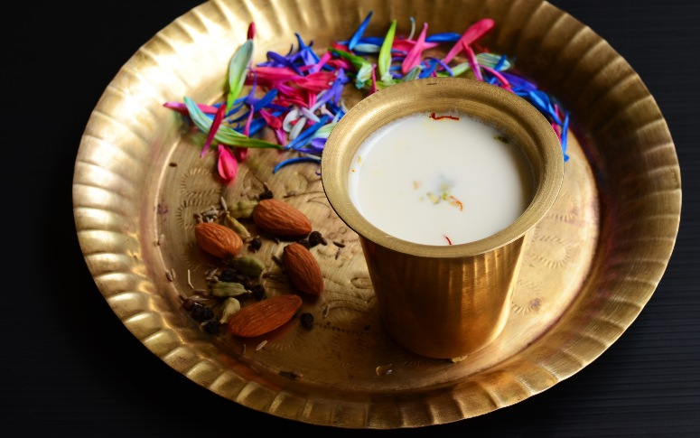 Top 5 Thandai Places In Mumbai To Visit This Holi