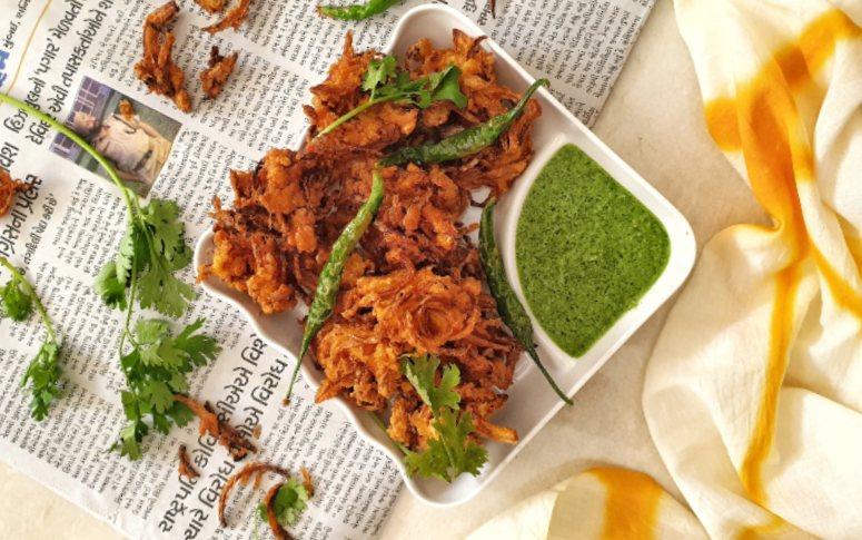 Kanda Bhajji Recipe: How To Make Crispy Bhajjis At Home